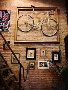 Accroche Murale Velo : d co murale des id es originales c t maison ~ Dode.kayakingforconservation.com Idées de Décoration