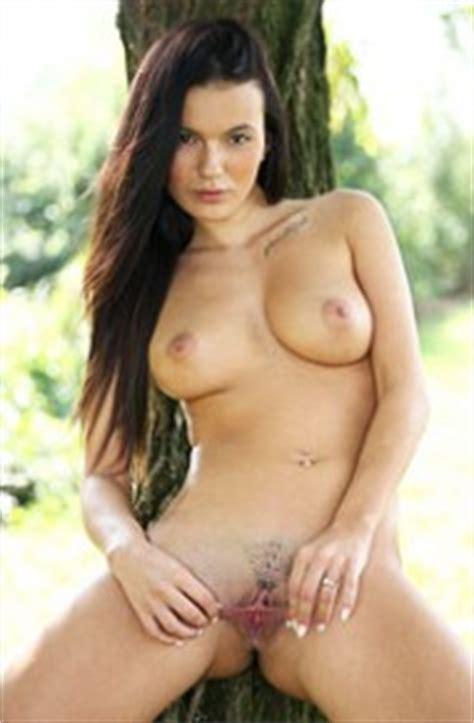 Vanessa Decker Nude Pics And Galleries