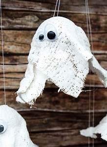 Gips Zum Basteln : hui buh diy gespenster aus gips halloween deko mit kindern basteln ~ Watch28wear.com Haus und Dekorationen
