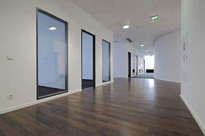 Sockelleisten Weiß Holz : sonstiges flooringtrends karl eduard b der gmbh ~ Michelbontemps.com Haus und Dekorationen