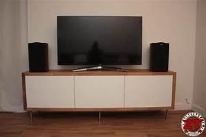 Meuble Tv Ikea : ikea hack un meuble tv avec des meubles de cuisine ~ Teatrodelosmanantiales.com Idées de Décoration