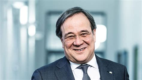 Armin laschet ile ilgili tüm haberleri ve son dakika armin laschet haber ve gelişmelerini bu sayfamızdan takip edebilirsiniz. Armin Laschet CDU - Vorsitzender mama ... äh... papa ...