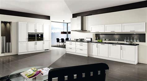cuisine brillante cuisine blanche brillante propre cuisine blanc brillant