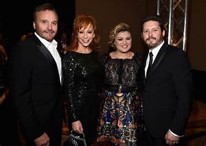Reba39s Rebirth McEntire Returns To The Charts Without
