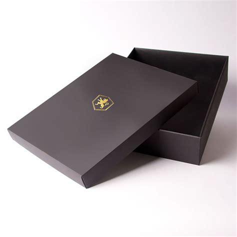 Black Handmade Paper Box Mailer With Gold Logo Foil Stamp