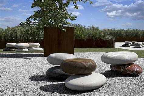 natural seating    giants pebble pave stone