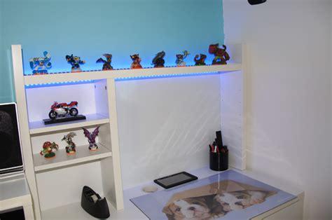 le de bureau à led deco led eclairage idées déco pour les meubles