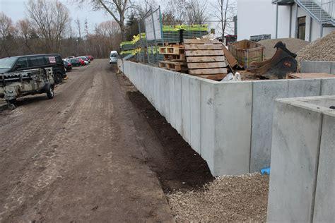 Höhenunterschied Grundstück Ausgleichen by Erstellung Einer 90 M L Stein Wand Mit Au 223 Enarbeiten