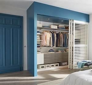 Idée Dressing Fait Maison : une peinture bleue p trole pour d limiter l 39 espace afin de ~ Melissatoandfro.com Idées de Décoration