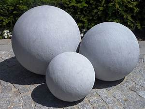 Boule Decorative Extérieure : d coration jardin boule exemples d 39 am nagements ~ Teatrodelosmanantiales.com Idées de Décoration