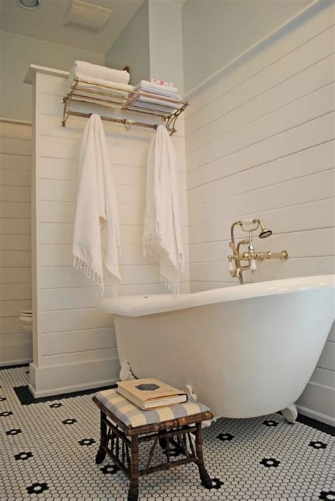 Modern Bathroom With Clawfoot Tub by 40 Refined Clawfoot Bathtubs For Bathrooms Digsdigs