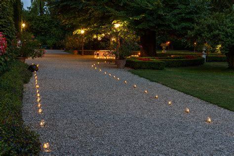 Illuminazione Vialetti Giardino by Idee Giardino Come Decorare Un Vialetto Con Le