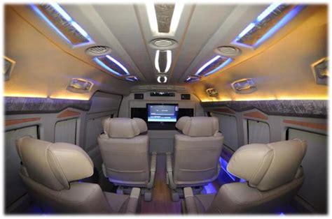 8 Seater Toyota Commuter Van Hire In Delhi Toyota Minivan