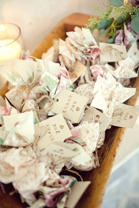 diy wedding plant favors  perfect   green wedding