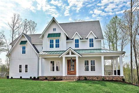 plan vv modern farmhouse   shaped front porch