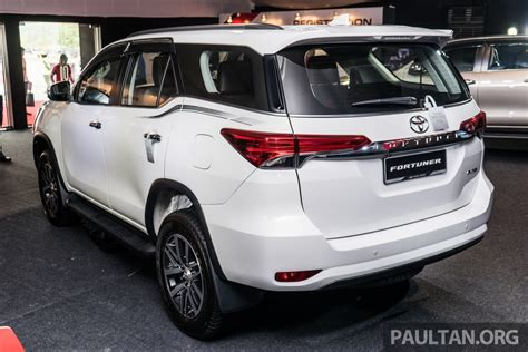 toyota fortuner 2 4 vrz at 2016 india bound 2016 toyota fortuner launched in malaysia