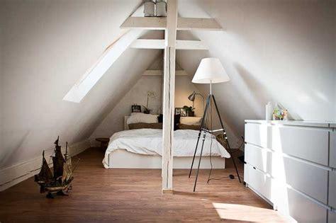 Spitzboden Als Wohnbereich Fuenf Tipps Fuer Den Ausbau by Die Besten 25 Dachboden Ausbauen Ideen Auf