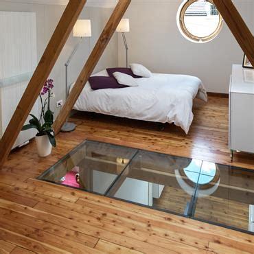 chambre dans les combles photos chambre sous les combles 1er tage chambre poutres