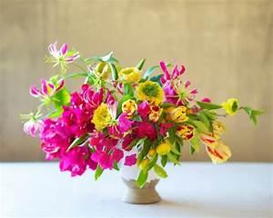 centre de table floral plus de 115 idees de deco d39ete With tapis chambre bébé avec beau bouquet de fleurs pour anniversaire