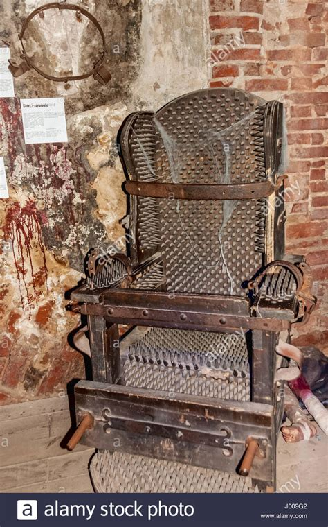 medieval torture chair  steel spikes  teutonic