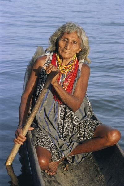 beauty  warao indian   canoe  national