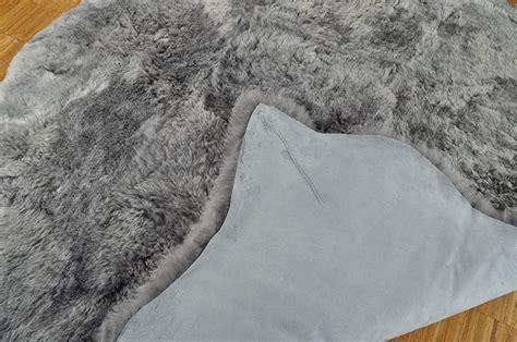 lammfell teppich grau lammfell teppich grau gef 196 rbt 170 x 170 cm kurzwollig bei kuhfell de bestellen