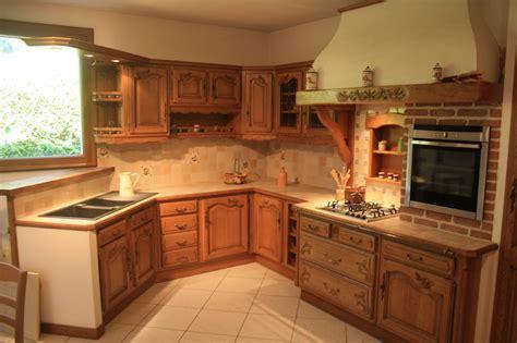 meuble de cuisine rustique cuisine rustique en chêne massif sculpté cuisines liebart