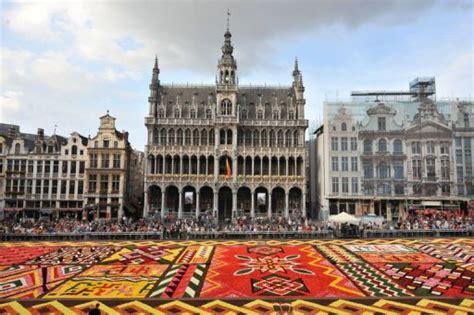 la grand place de bruxelles d 233 cor 233 e d un tapis de 600 000