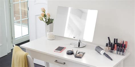 best lighted makeup mirror 7 best lighted makeup mirrors reviewed top for 2017