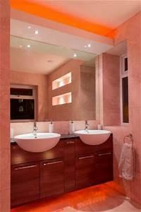 Spiegelklemmleuchte Bad Led : led lichtleisten f r stimmungsvolle beleuchtung 8 handwerk kompakt ~ Markanthonyermac.com Haus und Dekorationen