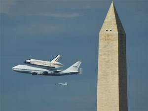 Space Shuttle Discovery flies final mission - Photo 1 ...