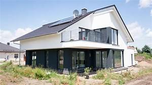 Haus Mit Satteldach : bauhaus mit satteldach in l derburg architekten ingenieure magdeburg architekturb ro ai ~ Watch28wear.com Haus und Dekorationen