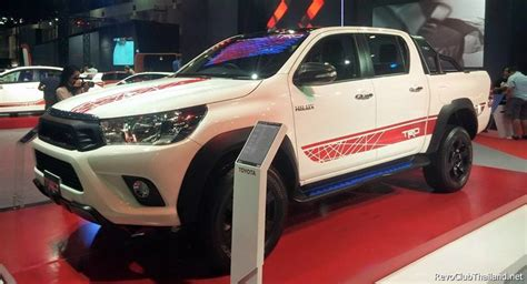 2015 toyota fortuner g trd toyota gives new 2016 hilux the trd sports treatment