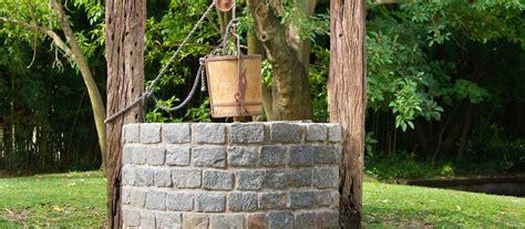 Zisterne Und Brunnen Im Garten by Gartenbrunnenpumpe Gt Garten Ratgeber