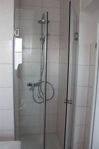 Dusche Wandverkleidung Kunststoff : dusche freistehend rund raum und m beldesign inspiration ~ Markanthonyermac.com Haus und Dekorationen