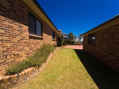 struan street tahmoor nsw   real estate