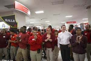 brawls and arrests on 39 gray thursday 39 overshadow black friday daily mail