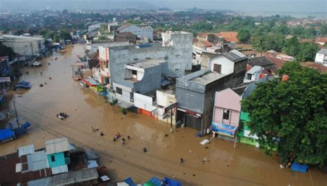 Sungai Citarum Meluap, Ribuan Warga Mengungsi Nasional
