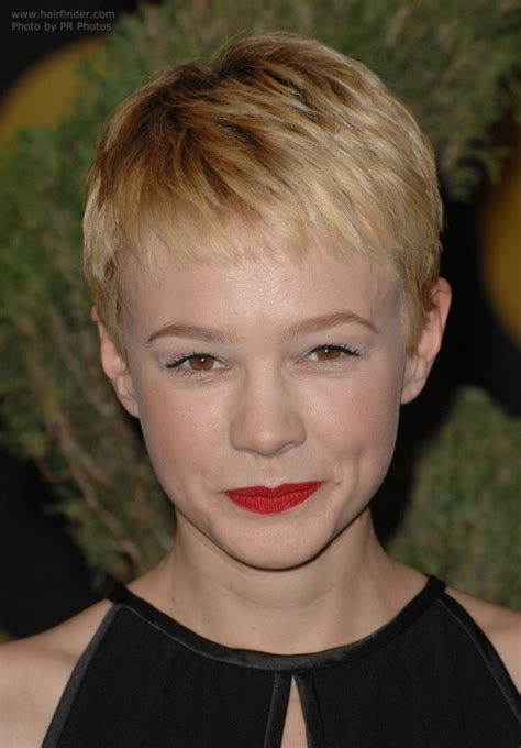 Carey Mulligan's new blonde pixie haircut with high bangs