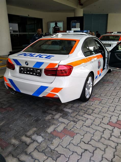 traffic police officers    sweet