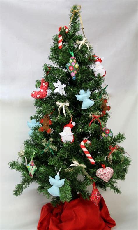 decoration pour sapin de noel a faire soi meme d 233 corations de no 235 l en tissu 2 je fais moi m 234 me