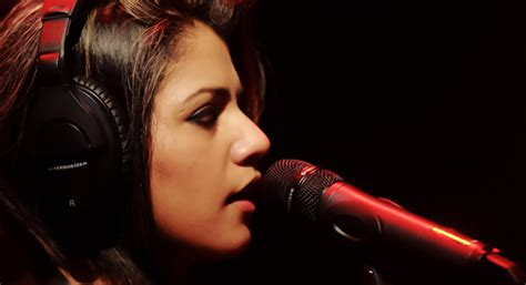 Quratulain Balouch's Performance At Flood Relief Concert