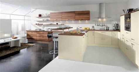 chaise de bureau a modèle de grande cuisine photo 7 25 une immense pièce