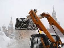 BBC News - Russian capital Moscow covered by record 63cm ...