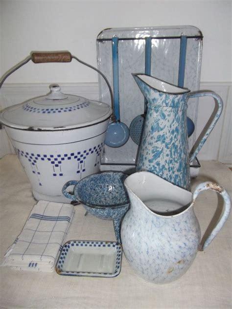 country kitchen ware vintage enamelware enamel kitchen decor and 2925