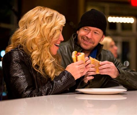 donnie jenny wahlberg mccarthy wahlburgers burger wahlburger menu mark treating girlfriend starcasm