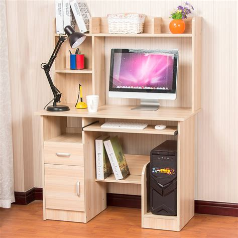 photo d un ordinateur de bureau résistant ordinateur à la maison bureau ordinateur de
