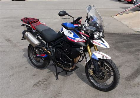 Gambar Motor Triumph Tiger 800 by Kit Adhesivos Triumph Tiger 800 By Uniracing Viejos Pistones