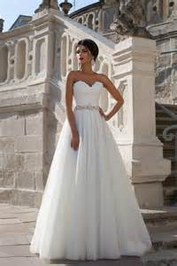 custom made wedding dresses 2015 new arrival white princess a line vintage wedding dresses sweetheart neck lace applique