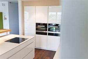 Hochglanz Weiß Küche : kochinsel k chentraum in hochglanz wei mit theke und ~ Michelbontemps.com Haus und Dekorationen